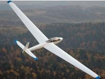 10% OFF - GLIDER FLYING
